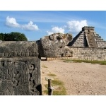 Chichén Itzá. Photo by Rick Taylor. Copyright Borderland Tours. All rights reserved.